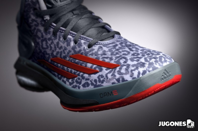 online retailer 64f82 ceabc Adidas Crazylight Boost Basketball shoes